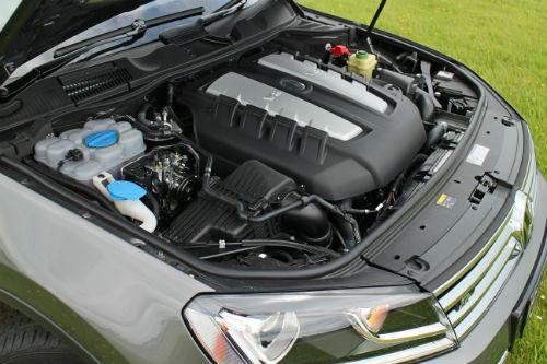 Touareg V8 TDi: Big-hearted flagship falling behind
